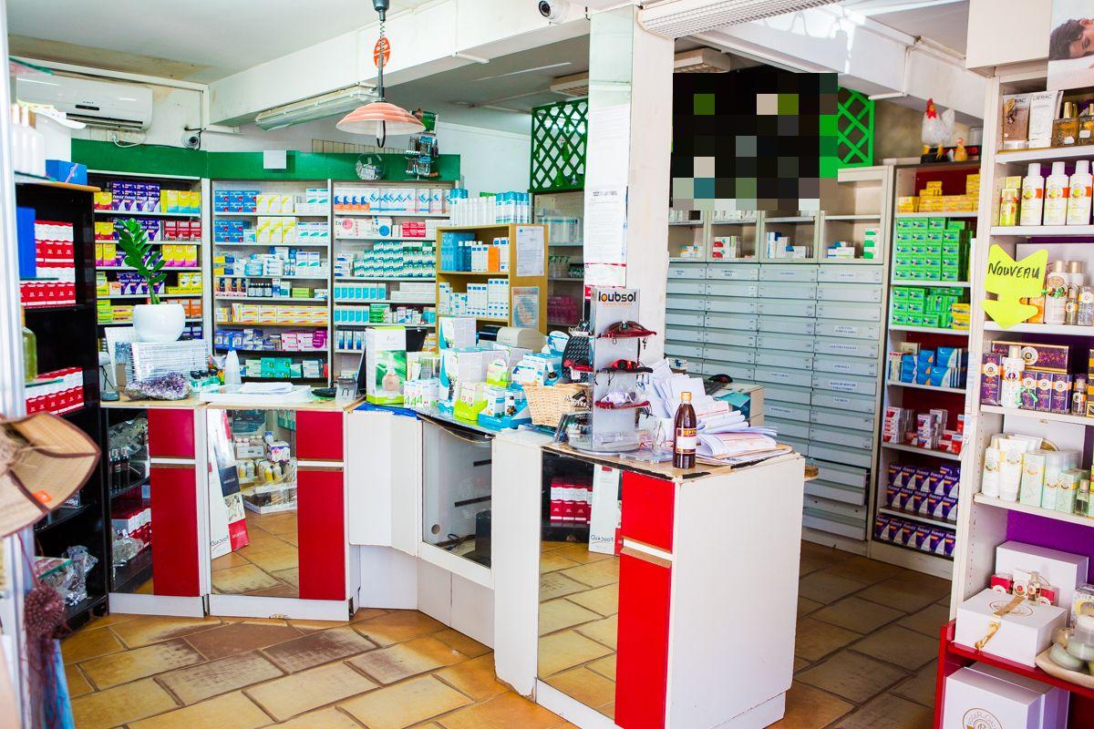 Vente Pharmacie et Parapharmacie (officine)  Guyane Française sur un axe passant