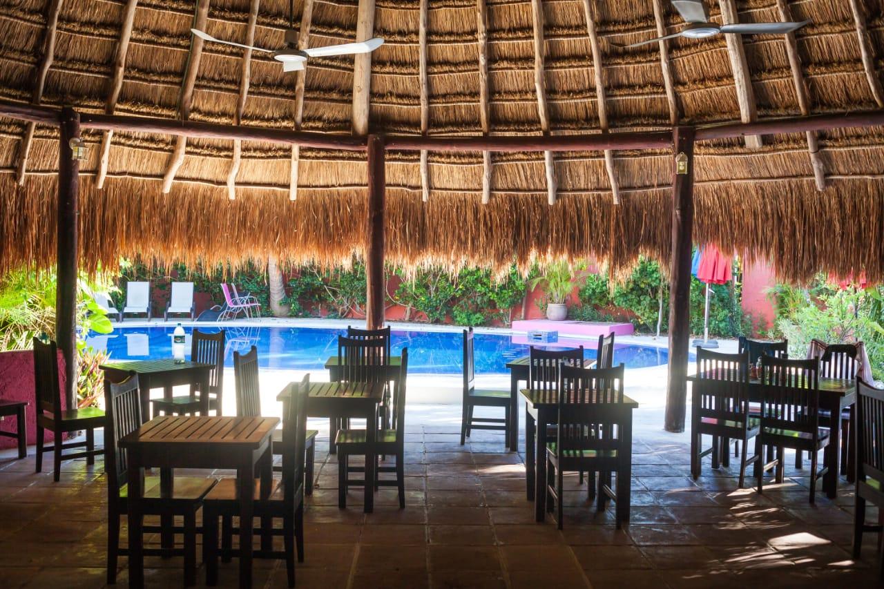 Vente Local commercial actuellement Hôtel restaurant 4* d'environ 11 chambres avec piscine et parking au Mexique dans une station balnéaire réputée
