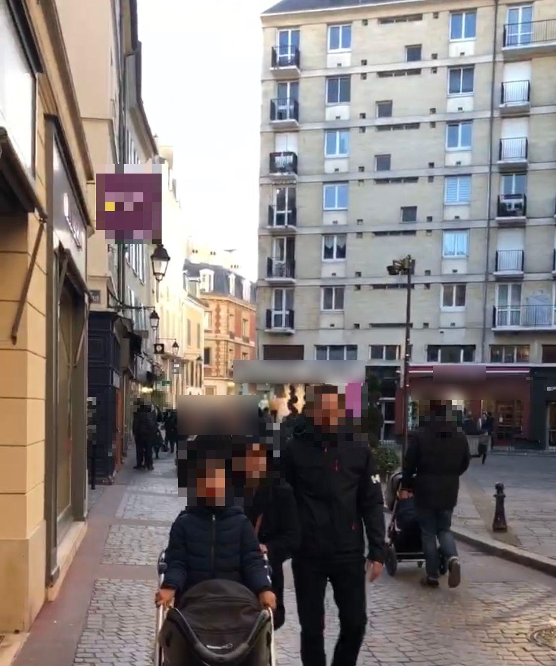 Vente Sandwicherie / Snack, Restauration rapide à Saint-Germain-en-Laye dans une zone touristique, sur un emplacement N°1 (78100)