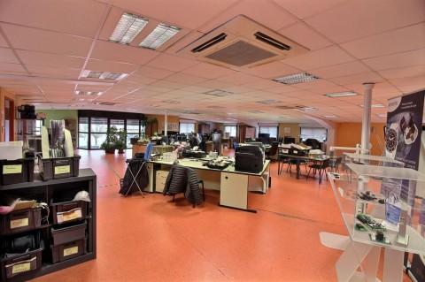 Vente Bureaux / Locaux professionnels, 305 m2 à Valence (26000)