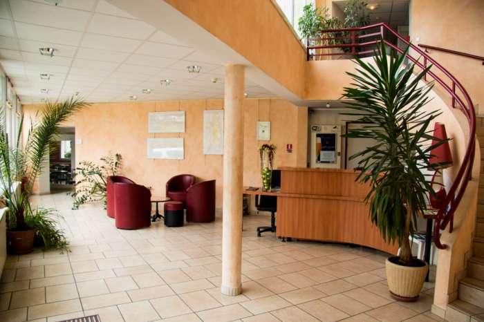 Vente Hôtel restaurant 2* de 32 chambres avec salle de séminaire et parking dans la Marne centre ville (51)