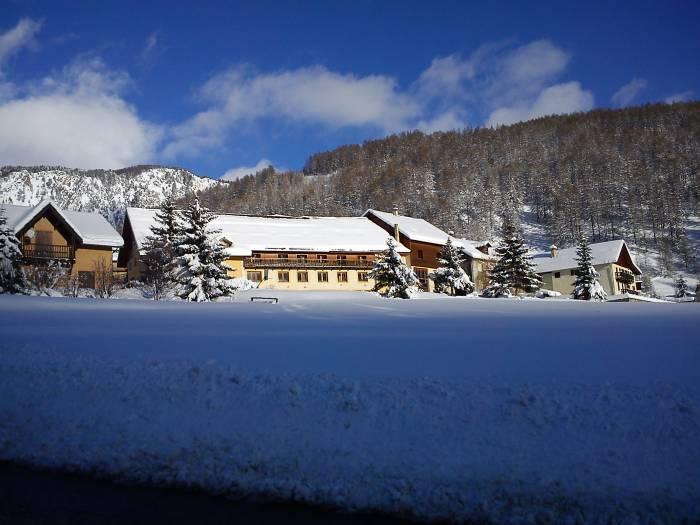 Vente Accueil de groupes dans les Hautes Alpes dans une station de sports d'hiver (05)