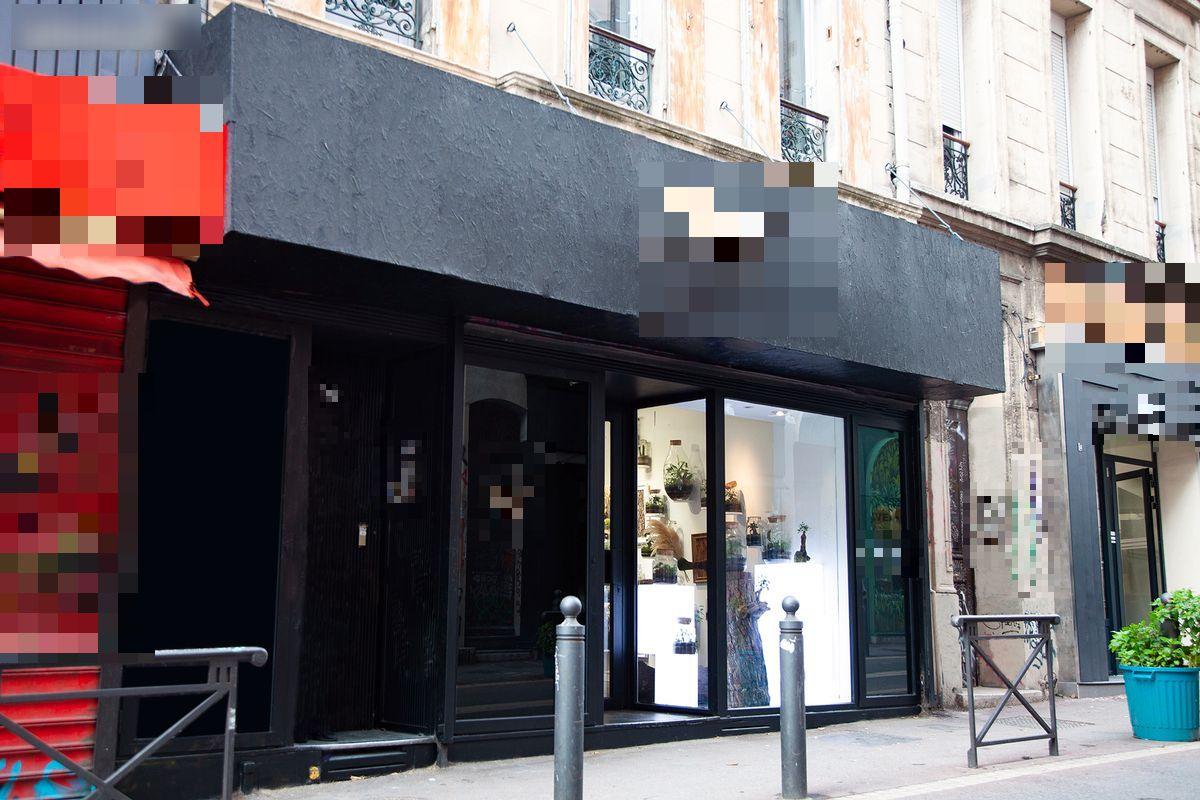 Vente Local commercial actuellement Galerie d'art, 90 m2 Marseille (13006), dans une zone en pleine expansion
