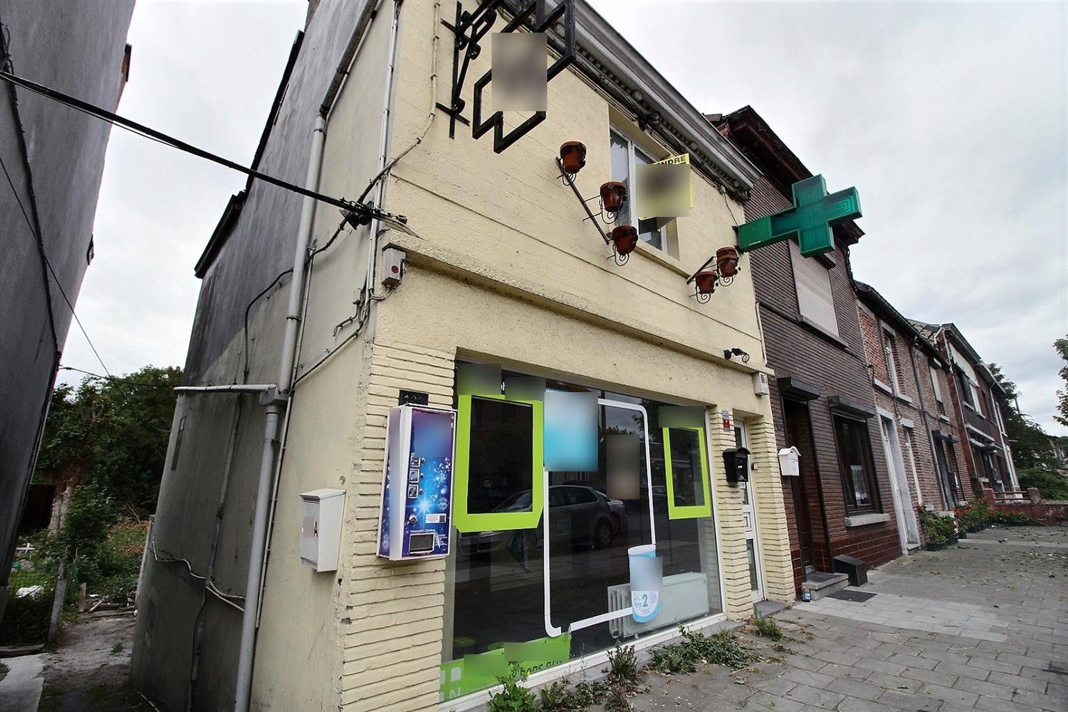 Vente Immeuble composé d'une ancienne pharmacie + appartement avec jardin à Charleroi