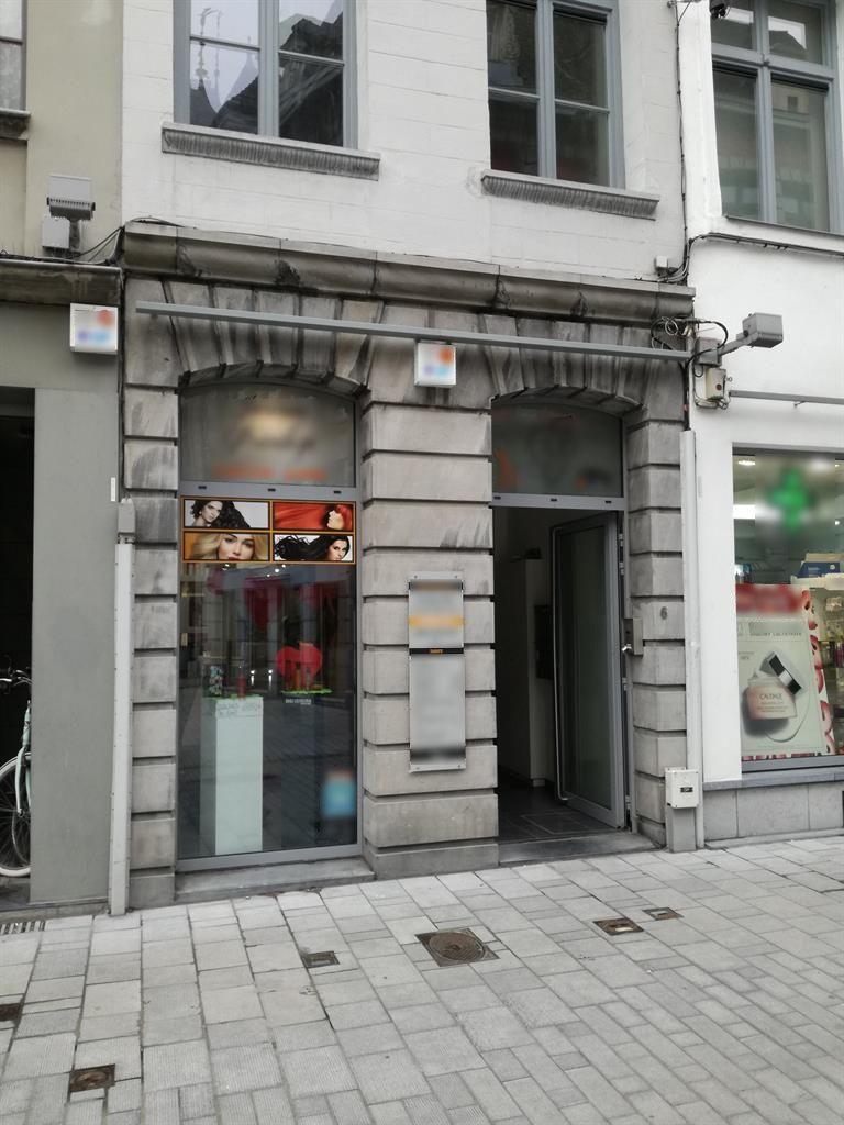 Vente Belle surface commerciale en plein cœur de Tournai en Belgique