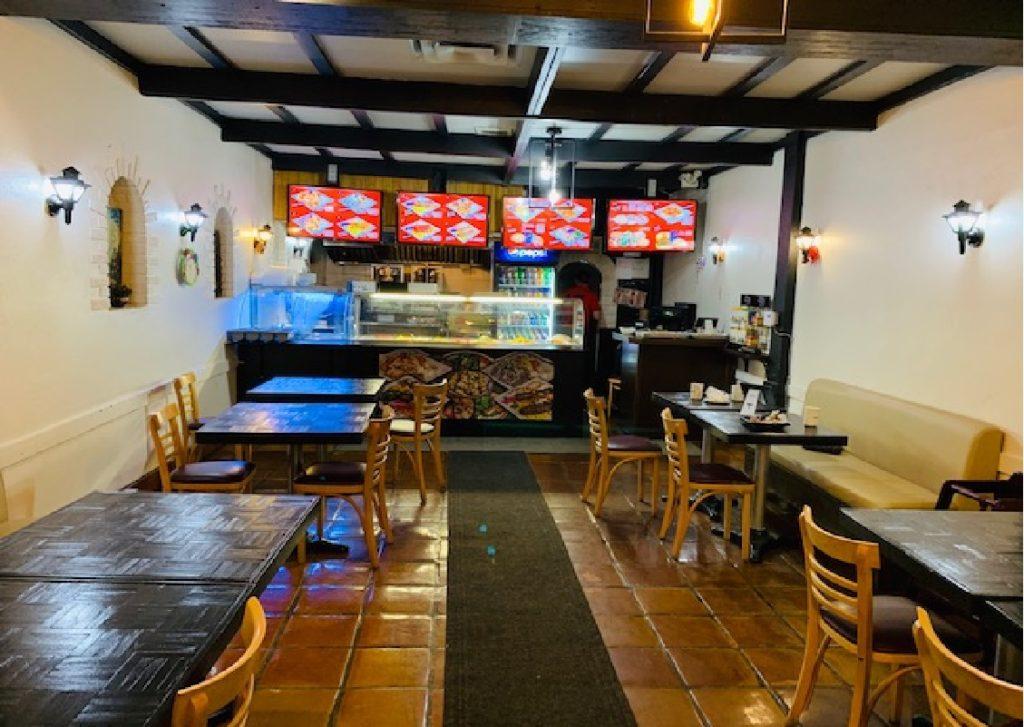 Vente Restaurant self-service et sandwich / snack dans le quartier McGill à Montréal