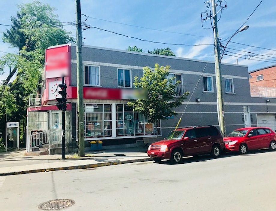 Vente Supérette / Magasin complet (dépanneur) bien établi à Montréal
