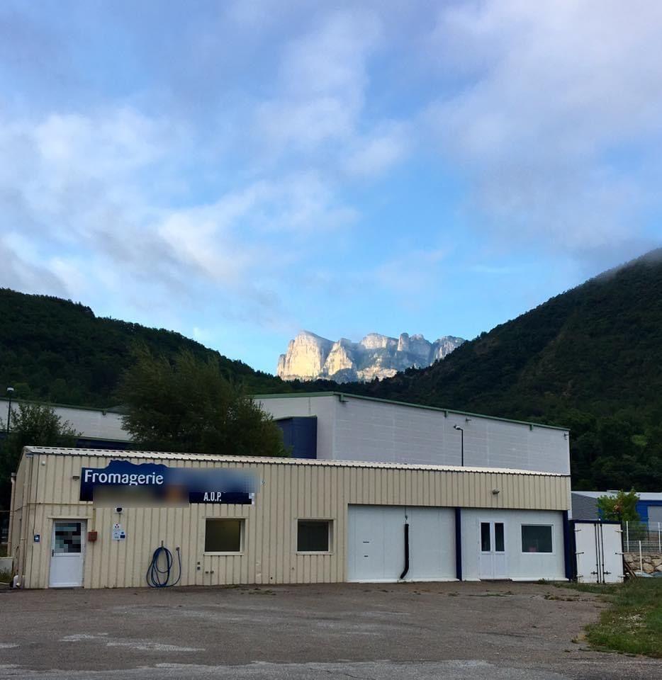 Vente Fromagerie - fabrication à Saillans dans une zone artisanale (26340)