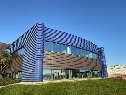 Vente Bureaux / Locaux professionnels, 690 m2 à Cenon (33150)