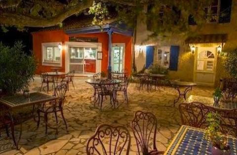 Vente Hôtel restaurant à relancer à La Garde-Adhémar (26700)