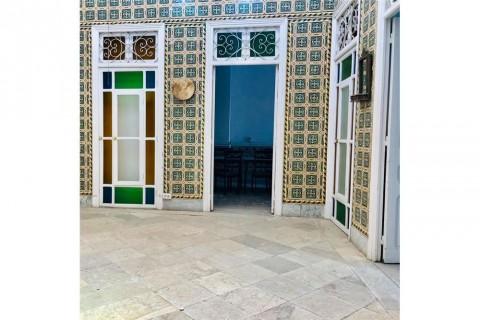Vente Immeuble, 380 m2 à Tunis situé sur le boulevard principal, Le Petit Palais de Beb Bnet