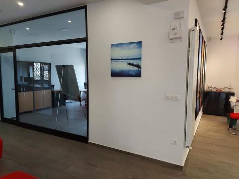 Vente Local commercial idéal pour Bureaux / Locaux professionnels, 249 m2 à Tunis Berges du Lac 1