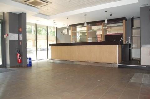 Vente Local commercial possibilité Bar, Restaurant, Kinésitérapie avec terrasse à Francheville sur un axe passager (69340)