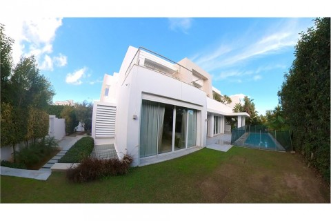 Vente Bureaux / Locaux professionnels, 600 m2 à Tunis aux Jardins du lac 2
