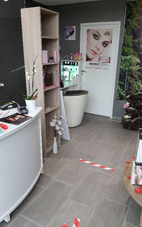 Vente Local commercial Esthétique / salon de beauté, 97 m2 à Brioude dans une zone animée (43100)