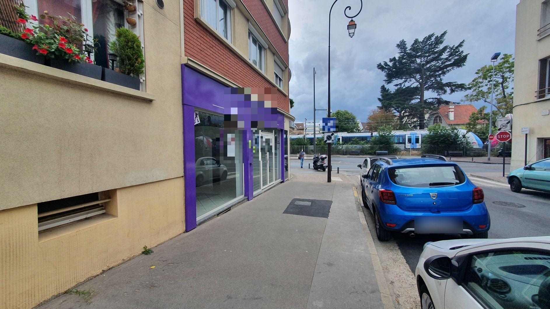 Vente Boutique libre pour toutes activités sauf nuisance et extracteur à Enghien-les-Bains dans un quartier animé (95880)