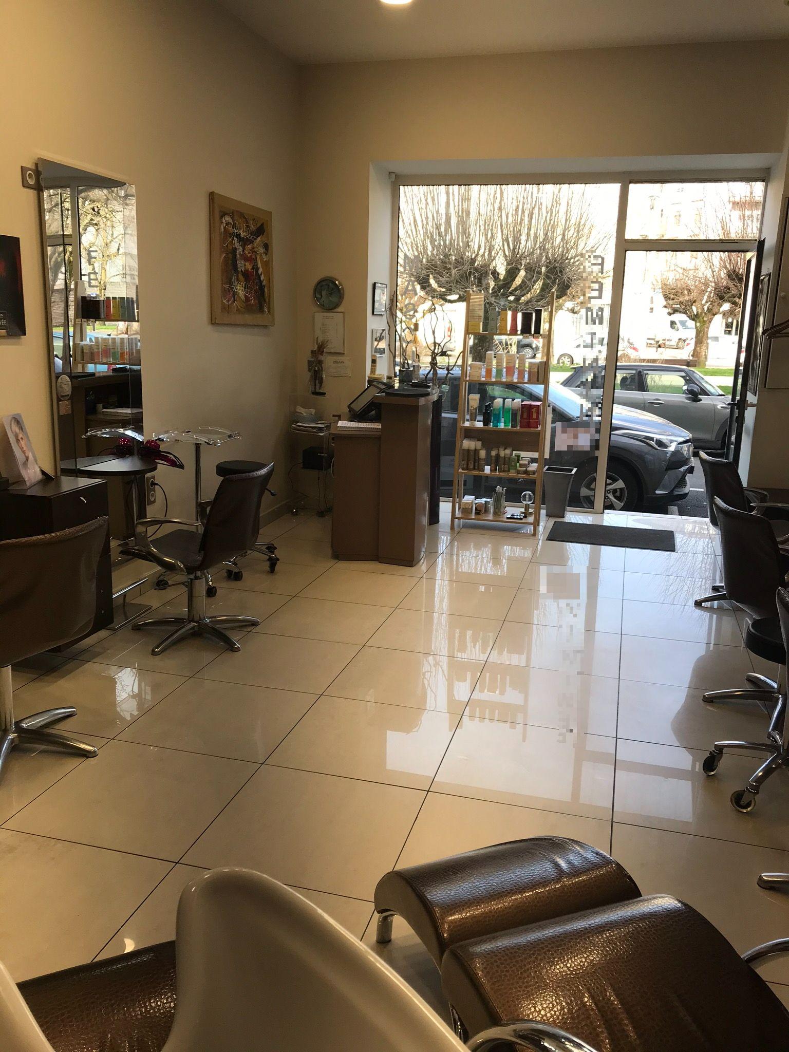 Vente Salon de coiffure femmes / hommes à Périgueux dans le centre ville (24000)
