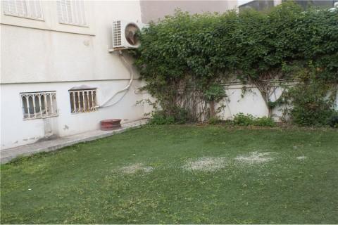 Vente Local commercial , 200 m2 à Tunis L'Aouina, dans une zone animée