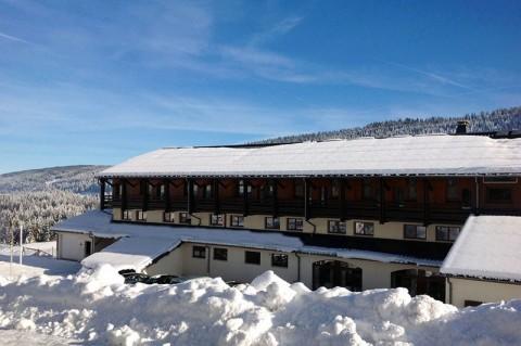 Vente Bar, Hôtel restaurant 2* de 55 chambres avec piscine et spa près de Les Rousses dans une station de sports d'hiver (39220)