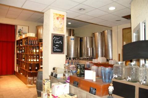 Vente Vin et spiritueux, Epicerie, Charcuterie, Sandwicherie / Snack, Restauration rapide à Agde sur un axe passant (34300)
