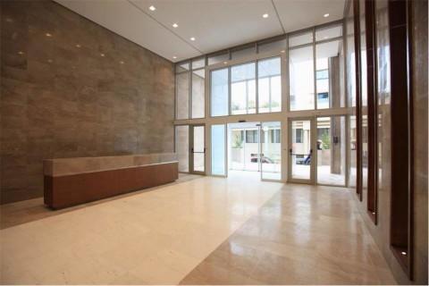 Vente Étage de bureaux individuels et open space, 294 m2 à Tunis situé à l'avenue Mohamed 5, au centre ville
