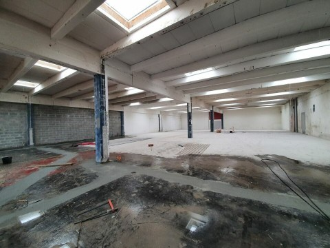 Vente Local d'activité / Entrepôt, 720 m2 à Artigues-près-Bordeaux (33370)