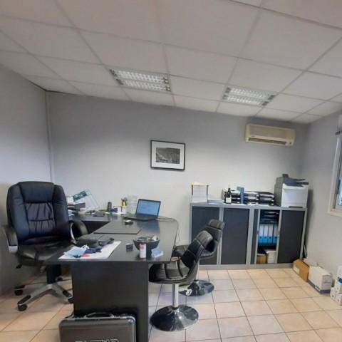 Vente Bureaux / Locaux professionnels, Local d'activité / Entrepôt, 315 m2 à Valence (26000)