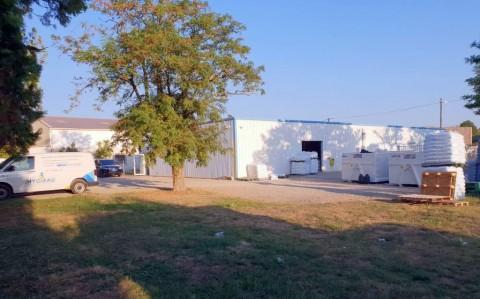 Vente Bureaux / Locaux professionnels, Local d'activité / Entrepôt, 416 m2 à Valence (26000)