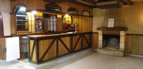 Vente Ensemble immobilier (bar, salon de coiffure) à Noyant (49490)