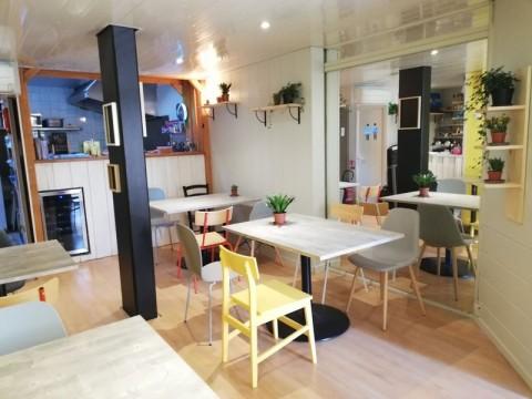 Vente Restaurant 14 couverts avec terrasse à Andernos-les-Bains dans une rue piétonne et commerçante (33510)