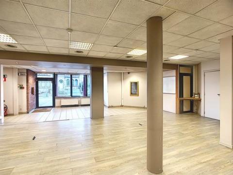 Vente Bureaux idéals pour une profession libérale, 193 m2 à Namur en Belgique