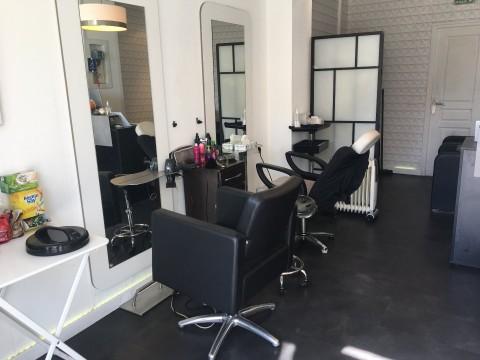 Vente Salon de coiffure, 32 m2 Paris (75015), dans un quartier dynamique
