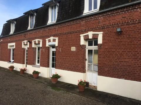 Vente Bar, Tabac, Vin et spiritueux, Hôtel bureau de 7 chambres avec parking et terrasse à Eu (76260)