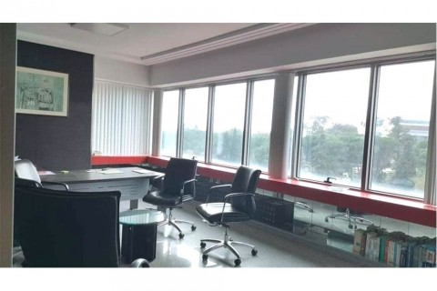 Vente Bureau meublé, 150 m2 au Centre Urbain Nord