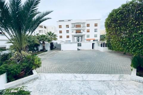 Vente Bureaux / Locaux professionnels, 870 m2 à Tunis au Lac 1