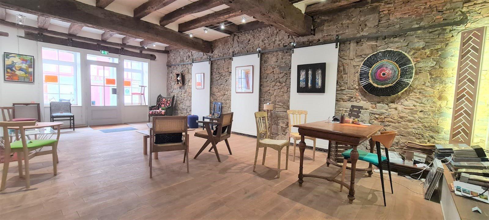 Vente Local commercial possibilité Chambres d'hôtes, Galerie d'art, 300 m2 près de La Bastide-Clairence (64240)