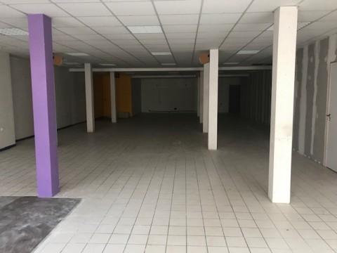 Vente Local commercial , 200 m2 à Lamballe (22400)