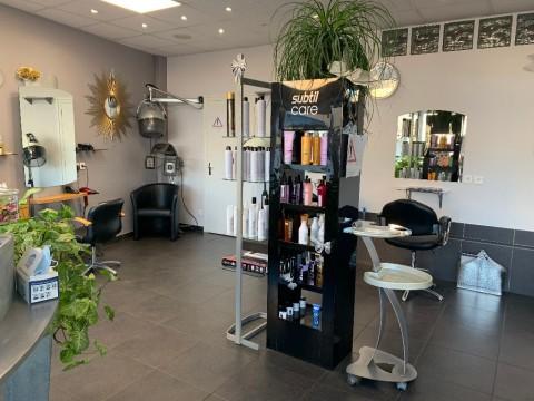 Vente Salon de coiffure, 60 m2 à Nohanent (63830)