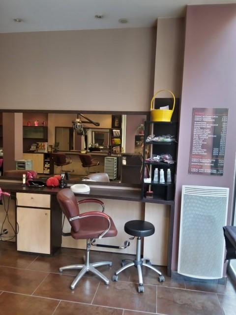 Vente Salon de coiffure, 66 m2 Paris (75020), dans un quartier animé