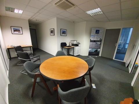 Vente Bureaux / Locaux professionnels, 70 m2 à Pacé (35740)