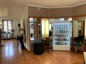 Vente Local commercial possibilité Salon de coiffure, Esthétique / salon de beauté, 60 m2 à Le Puy-en-Velay (43000)