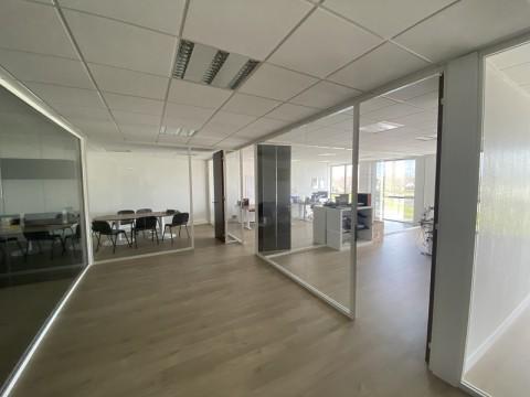 Vente Bureaux / Locaux professionnels, 170 m2 à Pacé (35740)