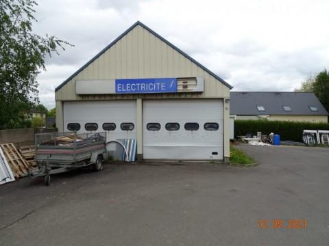 Vente Électricité, Plomberie, Chauffage / climatisation, 1000 m2 près de Fougères (35300)