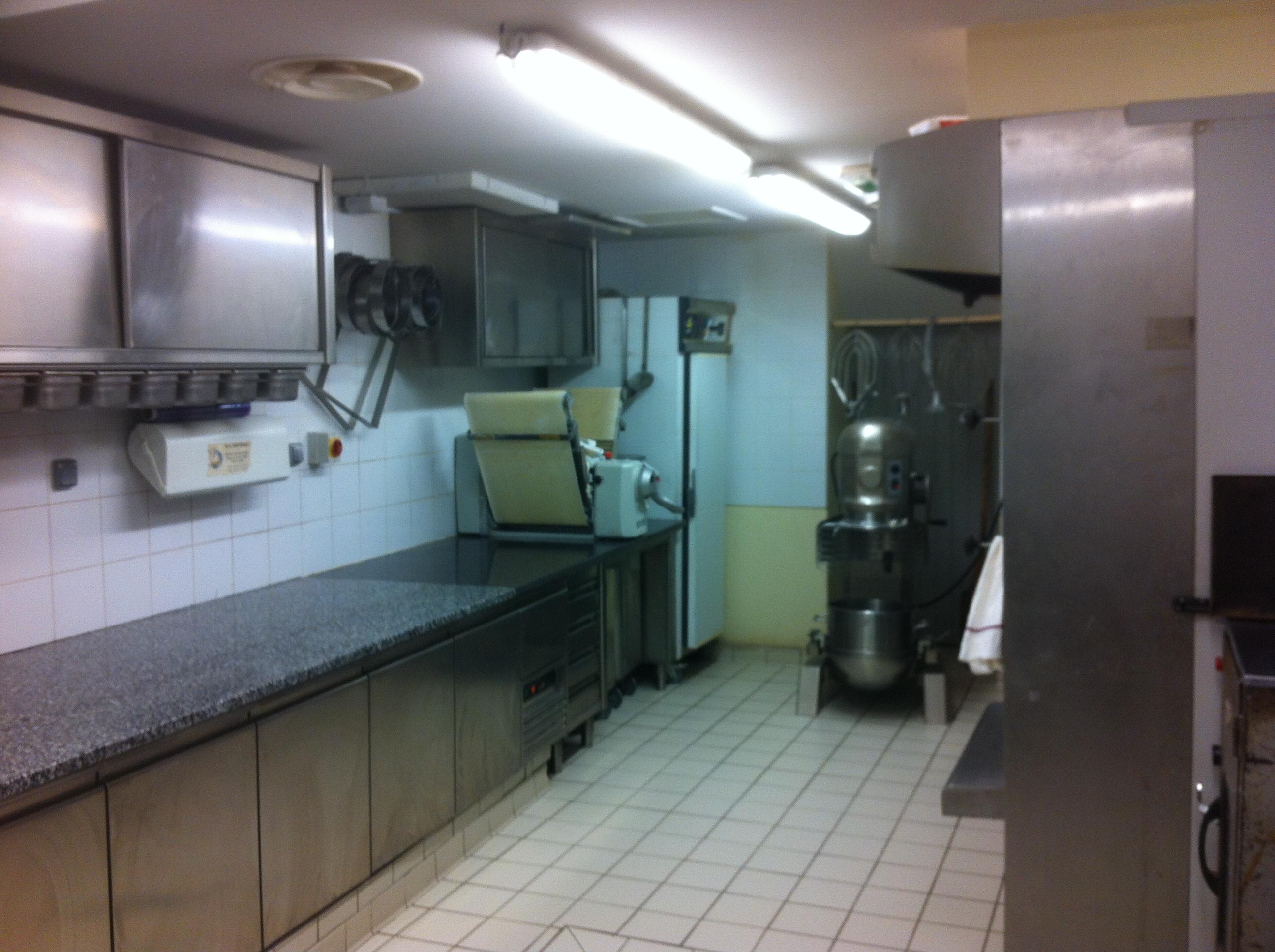 Vente Boulangerie, pâtisserie, viennoiserie, snacking à Nîmes en plein centre ville, à l'entrée de deux parkings (30000)