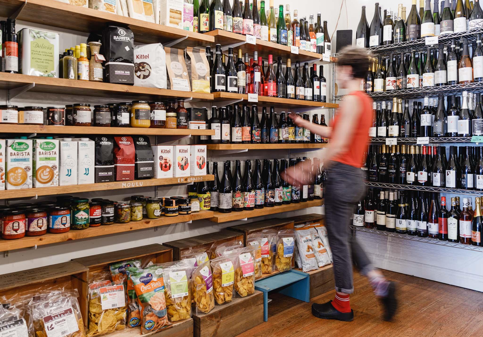 Vente Boutique de Prêt à Manger, Caviste, Café-Resto à succès à Montréal dans un quartier dynamique