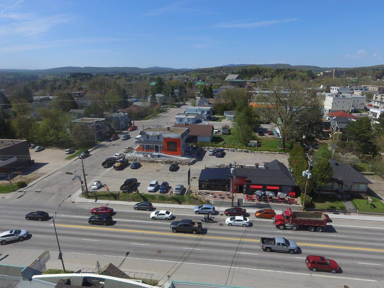 Vente Restaurant & bar laitier spécialisé + investissement immobilier si désiré près de Mont-Laurier