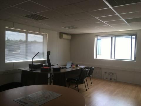 Vente Local d'activité / Entrepôt, 330 m2 à Eysines (33320)