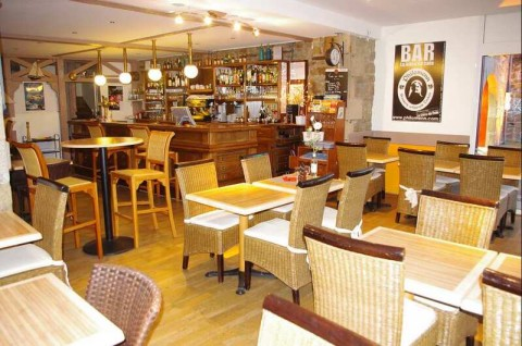 Vente Bar, Brasserie, Hôtel restaurant de 8 chambres avec terrasse à Paimpol dans une zone touristique (22500)