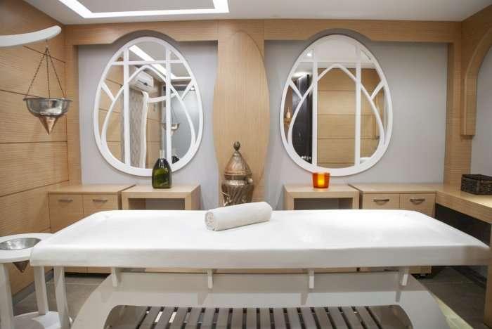 Vente Esthétique / salon de beauté, Manucure, 60 m2 Marseille (13009)