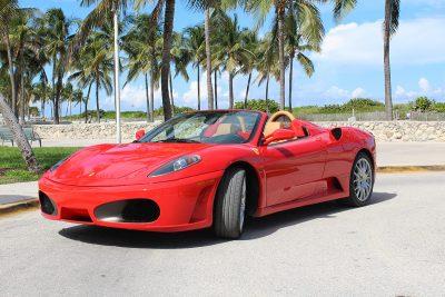 Vente Location de véhicules de luxe sur Miami Beach en Floride aux Etats Unis